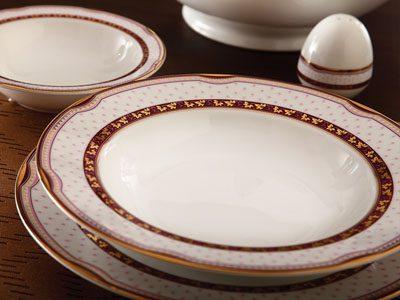 سرویس غذاخوری 28 پارچه چینی زرین ایران سری ایتالیااف طرح پرشیا قرمز